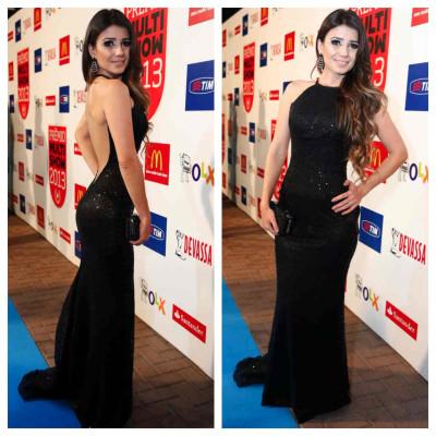 Paula Fernandes usa vestido Patricia Nascimento