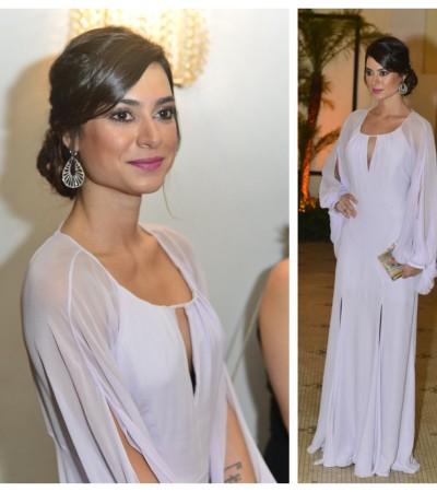 Thaila Ayala usa longo branco de Cris Barros no baile da amfAR