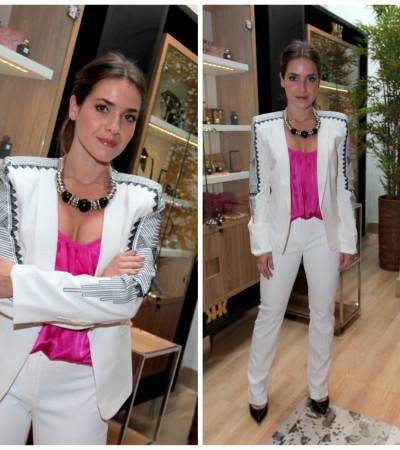 Monique Alfradique de branco e pink da Canal