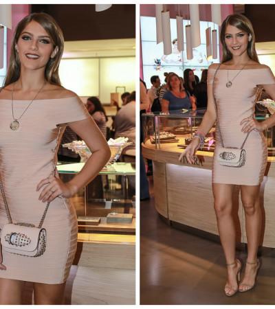 Isabella Santoni de vestido Bandage La Belle de R$ 628 e joias Vivara