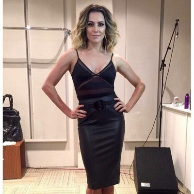 Deborah Secco de Karin Matheus no 'Domingão do Faustão'