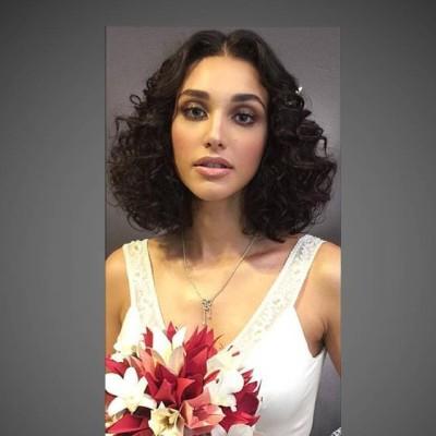 Débora Nascimento se casa com vestido Emannuelle Junqueira