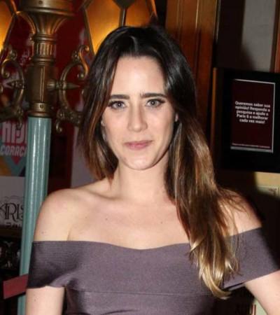 Fernanda Vasconcellos de vestido Lolitta de R$ 3,2 mil