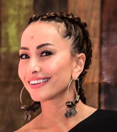 Sabrina Sato de vestido assimétrico Adriana Degreas