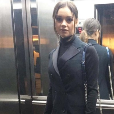 Sophie Charlotte de look preto Dior no Festival de Cinema de Gramado