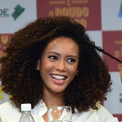 Coincidência fashion: Taís Araújo e Ivete Sangalo de vestido chemise Ralph Lauren