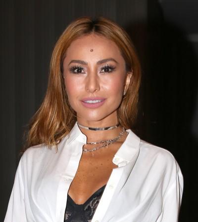 Sabrina Sato com look sensual Dolce & Gabbana