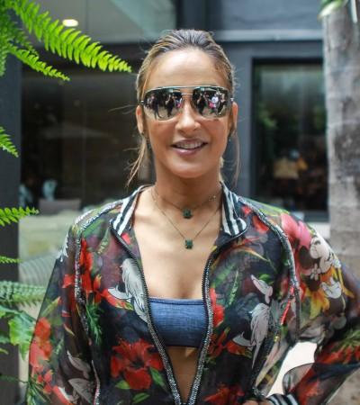 Claudia Leitte usa conjunto estampado da Água de Coco