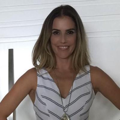 Deborah Secco de macacão Litt' no 'Vídeo Show'