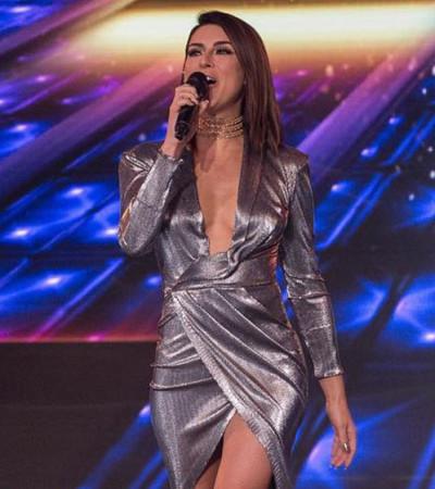 Fernanda Paes Leme mistura prateado e dourado no 'The X Factor'