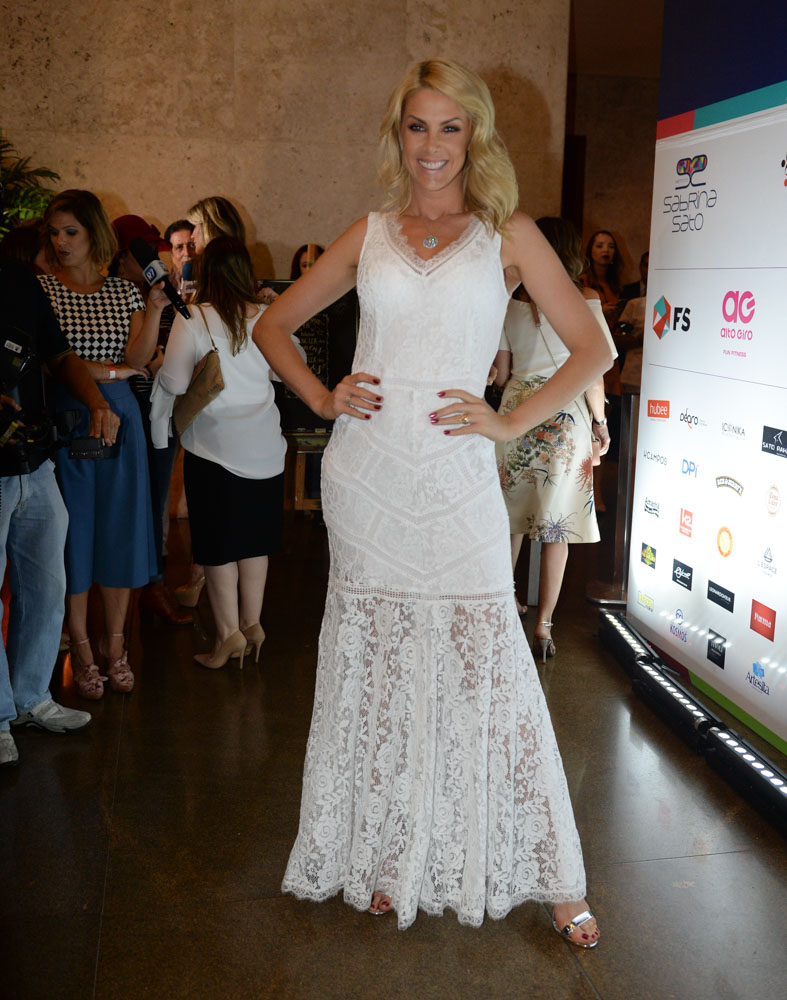 ana hickmann - agnews (2) - vestido branco - réveillon