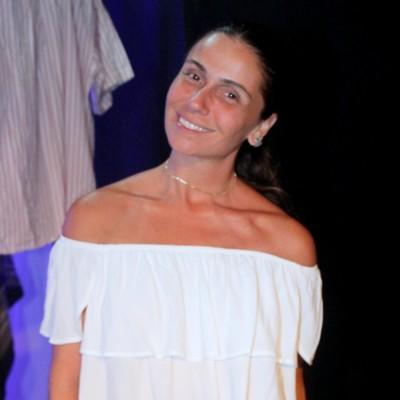 Blusa de babado e calça flare: inspire-se no look de Gio Antonelli
