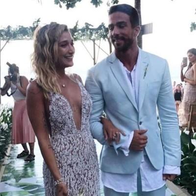 Gabriela Pugliesi veste Lethicia Bronstein em casamento na praia: vestido de 38 kg