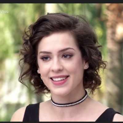 Descubra marca da choker de Sophia Abrahão no 'Vídeo Show'