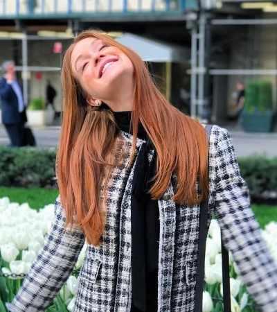 Repetir pode sim: Marina Ruy Barbosa compõe 6 looks com mesma calça em NY