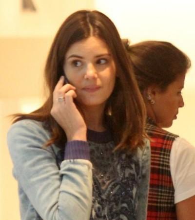 Do básico ao social, inspire-se em 5 looks de Camila Queiroz