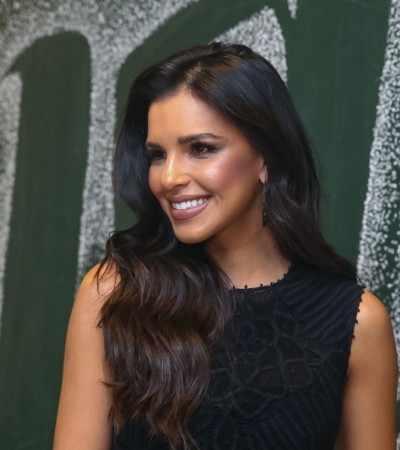 Mariana Rios usa look de R$ 11 mil para cantar com Tiago Abravanel