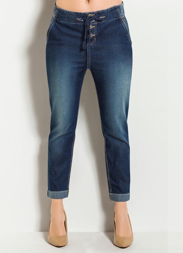 calca-jeans-boyfriend-com-botoes-azul-e-escuro_226793_600_1