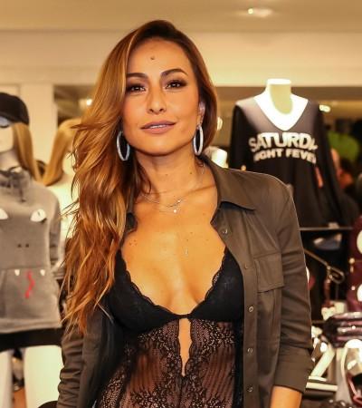 Sensual: Sabrina Sato e mais famosas usam body transparente