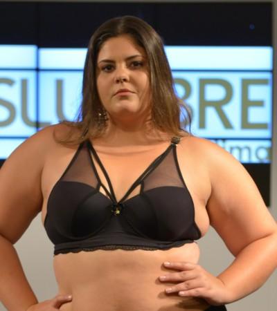 Fashion Weekend Plus Size traz transparência e lingerie sexy