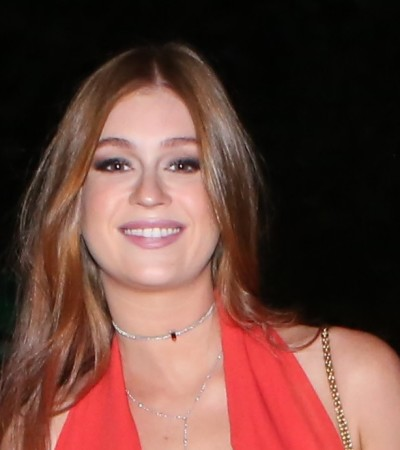 Marina R. Barbosa e Stefanelli acertam com macacão vermelho