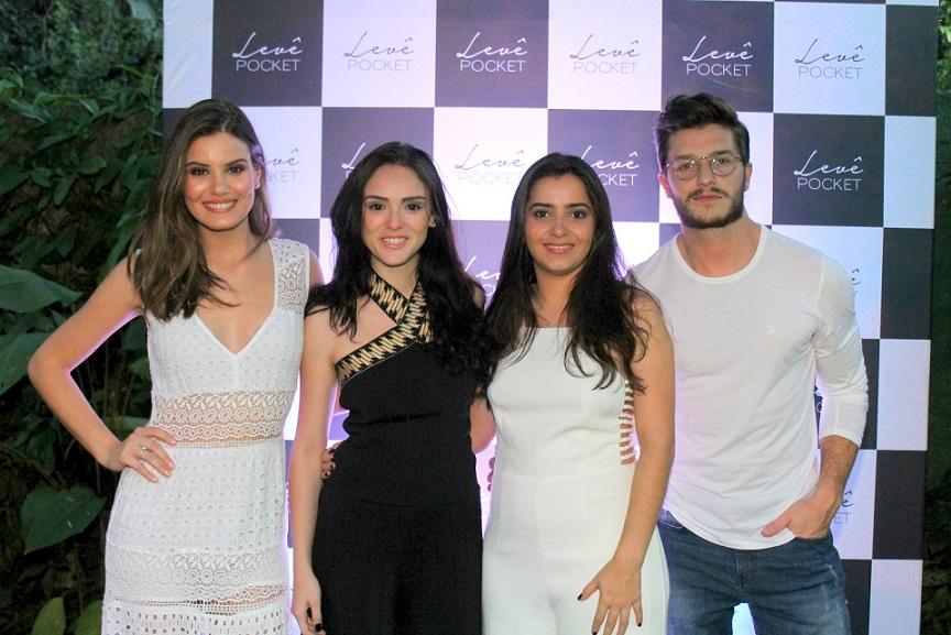 Camila Queiroz usa look de R$ 1,2 mil em evento de Drummond