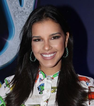 Mariana Rios veste look de R$ 3 mil com estampa de aviões