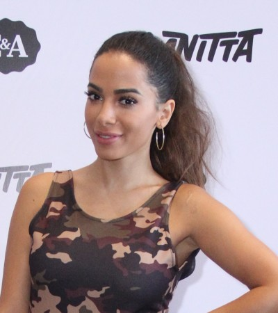 Inspire-se: Anitta veste estampa camuflada e pantacourt