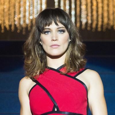 Clara usa vestido de 4,8 mil em retorno triunfal na novela