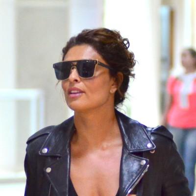 Juliana Paes arrasa em look preto com contraste de estilos