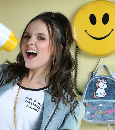 Larissa Manoela vira boneca em campanha de bolsas
