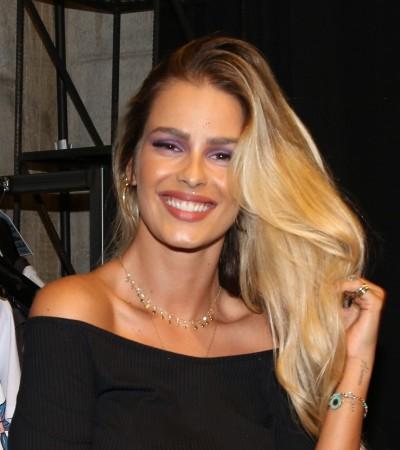 Yasmin Brunet e Fê Paes Leme acertam com looks pretos e bota