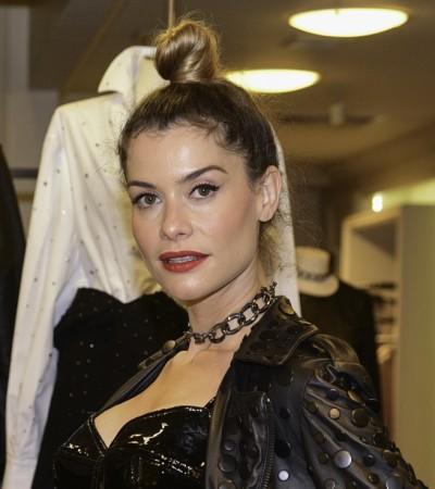 Alinne Moraes e mais famosas vestem looks pretos sensuais