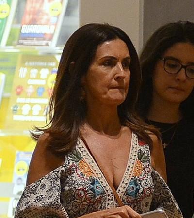 Boho chic: Fátima Bernardes acerta com ombros à mostra