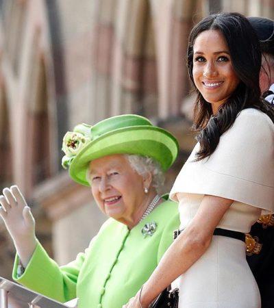 Meghan Markle repete grife de casamento em viagem com rainha