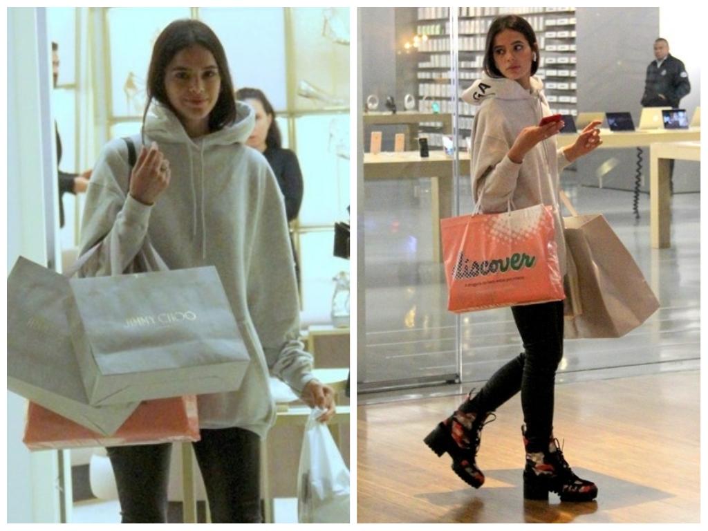 Bruna Marquezine usa look de R$ 10,2 mil com moletom e bota