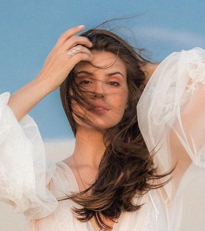 Pré-wedding: Camila Queiroz exibe vestido com transparência
