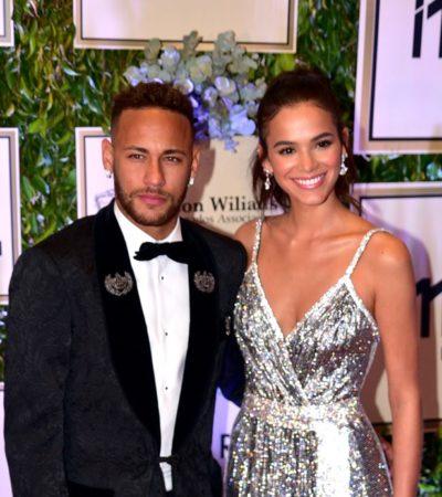 Qual é a famosa mais bem-vestida do leilão de Neymar Jr.?