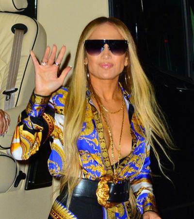 Jennifer Lopez usa look Versace de R$ 24 mil pós-VMA