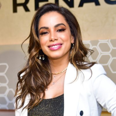 Inspire-se: Anitta acerta ao compor look com duas tendências