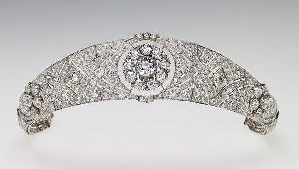 Tiara que pertenceu à mãe de Elizabeth II (Foto: Royal Collection Trust/Reprodução)