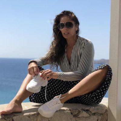 Listra + poá: Adriane Galisteu acerta no mix de estampas