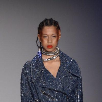 Grife eleva status do jeans original a peça de alto luxo