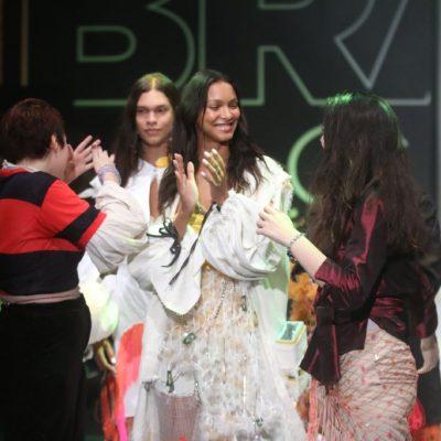 Laís Ribeiro, Kuerten, Trentini desfilam para novos talentos