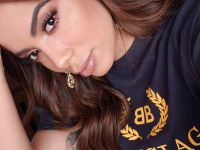 Anitta se apresenta no México com camiseta de R$ 3,3 mil