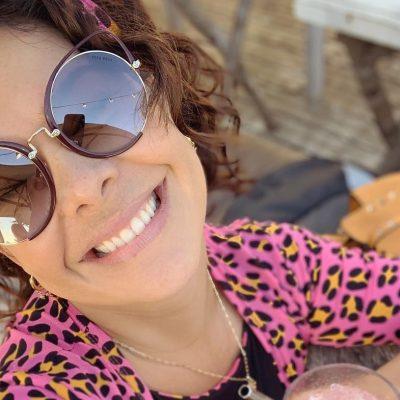 Fernanda Souza veste saída de praia de oncinha de R$ 250