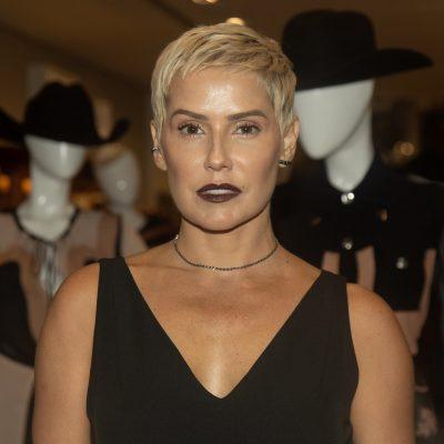Deborah Secco prova que detalhes garantem estilo ao look