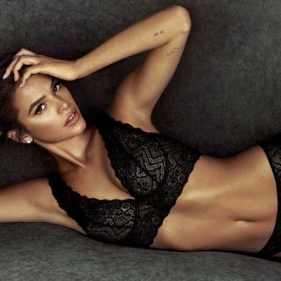 Poderosa, Marquezine estrela campanha de lingerie italiana