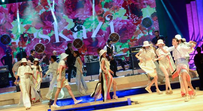 Jota Quest embala desfile de verão 2020 no Minas Trend
