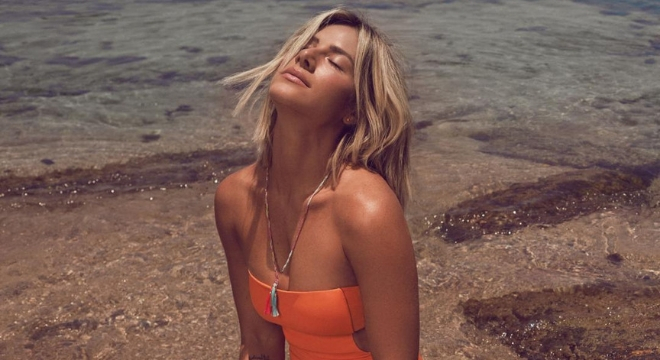 Giovanna Ewbank lança coleção que vai da praia ao dia a dia